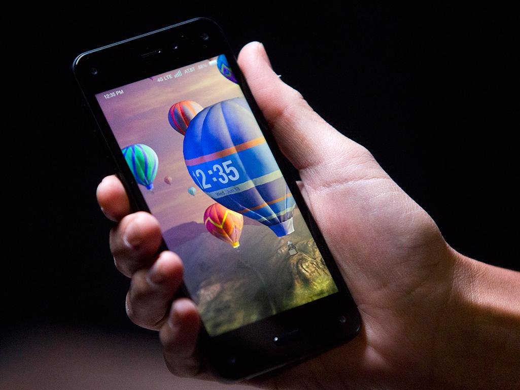 Amazon Fire Phone: il 3D cammina con te (e traccia la tua testa)