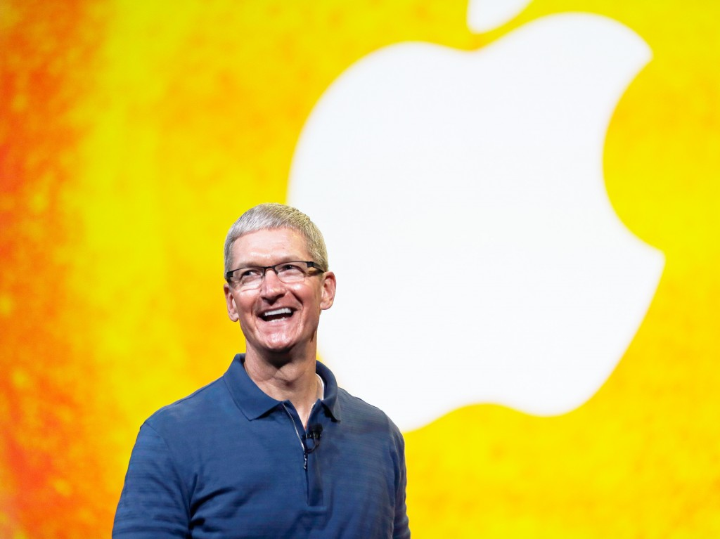 Apple fatturato record record apple iphone 10 anni tim cook