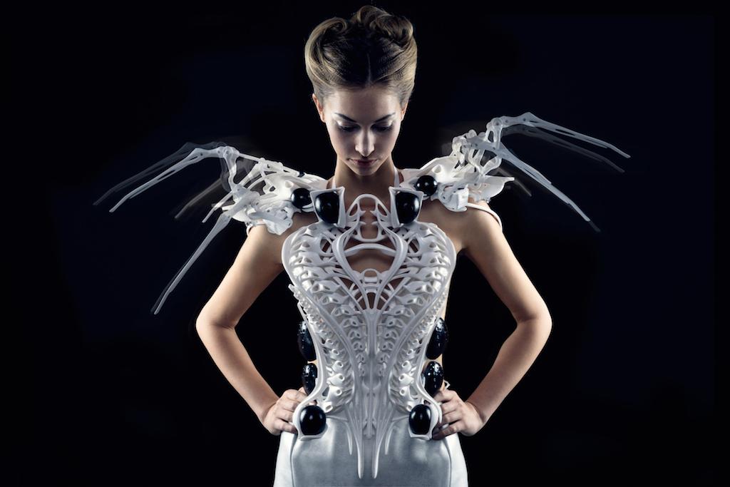 Spider Dress 2.0: l'abito in 3D che reagisce alle minacce