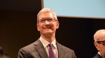 apple trimestre da record Tim Cook Bocconi Milano risultati finanziari apple