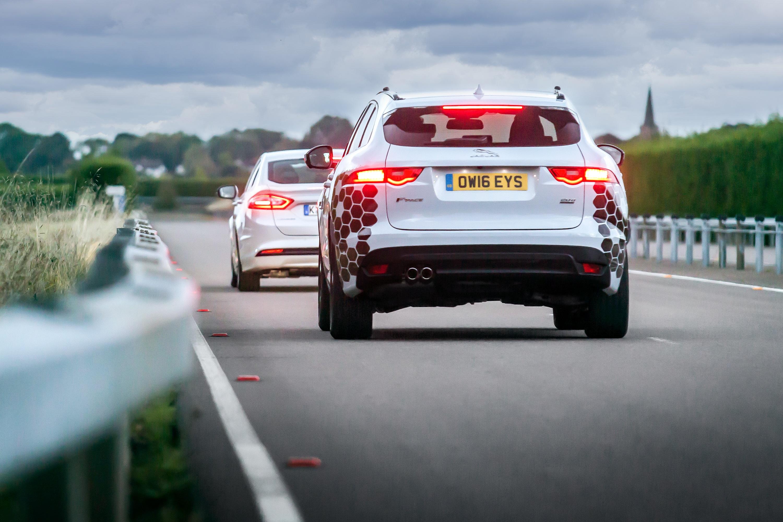 Jaguar Land Rover al lavoro per auto connesse e autonome