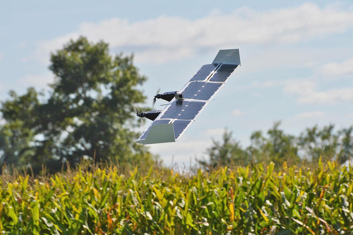 Suav:Q il drone a energia solare che diventa sia elicottero che aereo