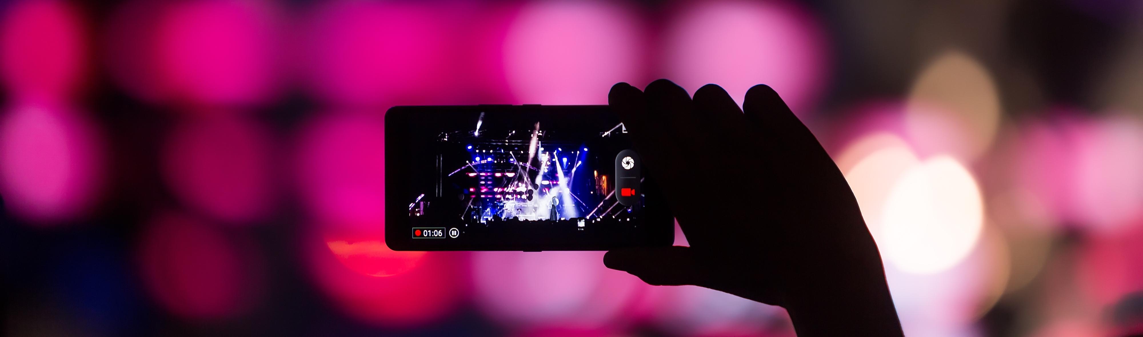 Facebook video: il futuro è live e in realtà virtuale