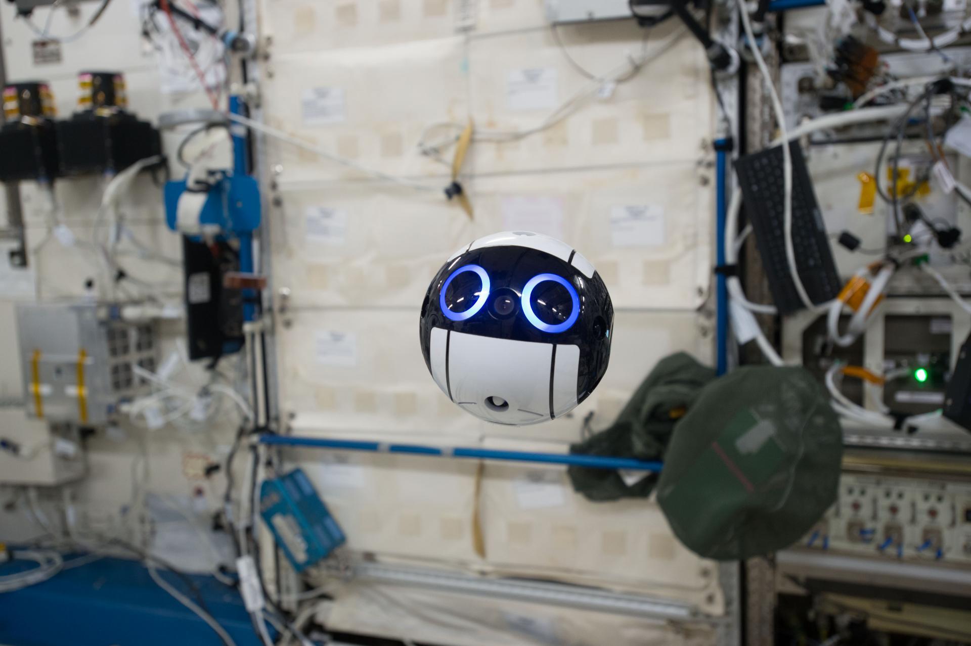 JEM Int-Ball il drone che galleggia nella Stazione Spaziale