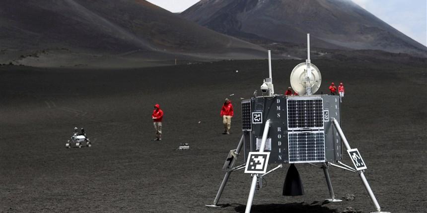 robot lunari etna