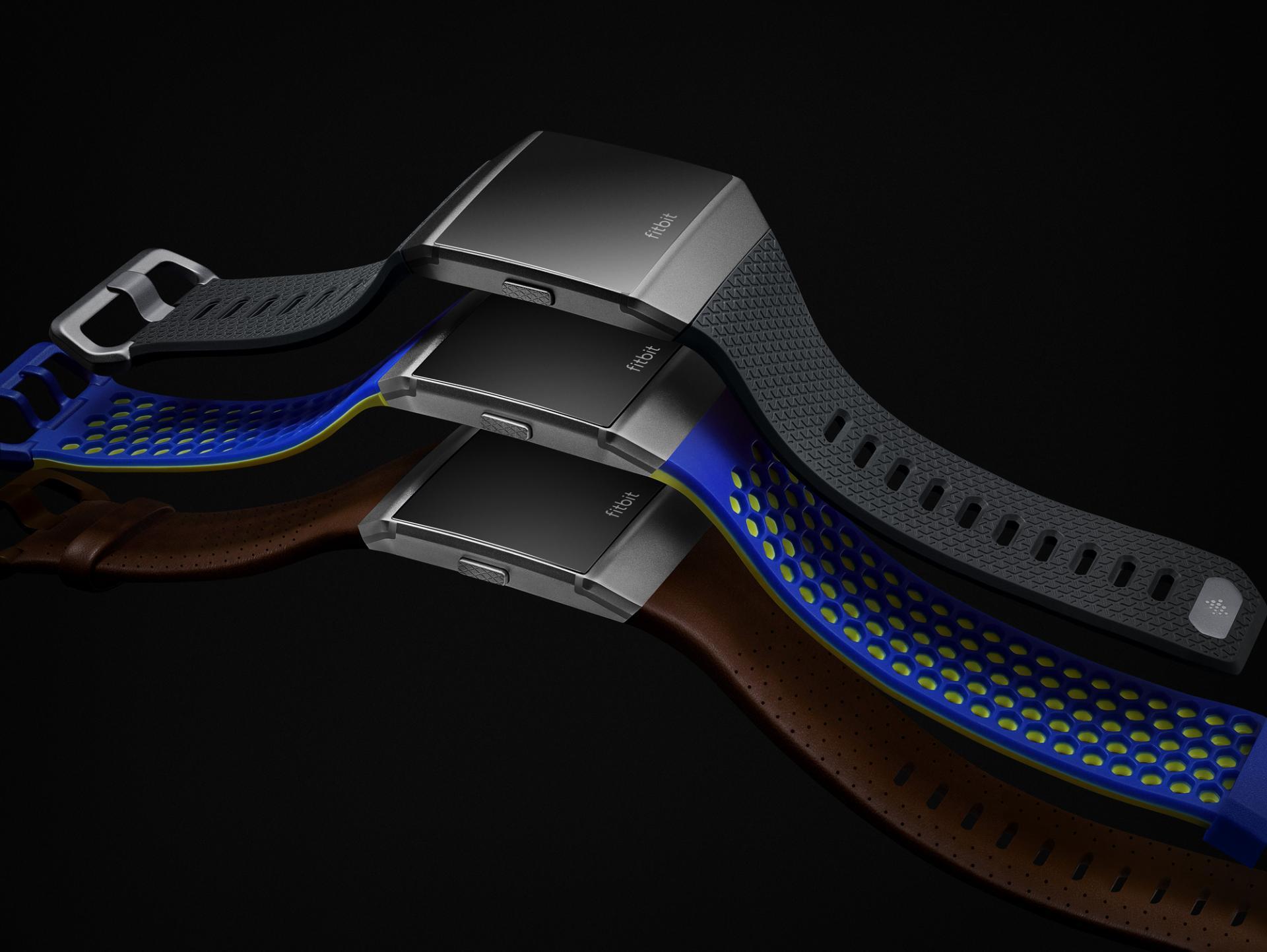 FitBit Ionic, lo smartwatch che sfida l'Apple Watch