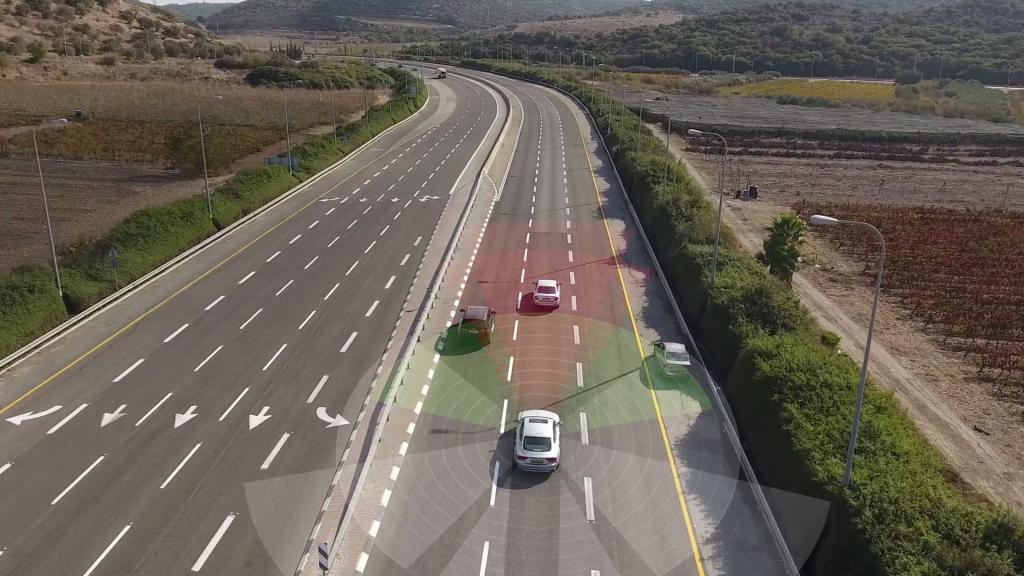 Guida autonoma fiat bmw mobileye intel