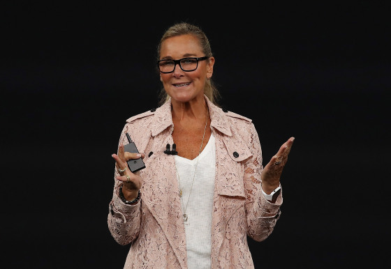 Angela Ahrendts apple keynote
