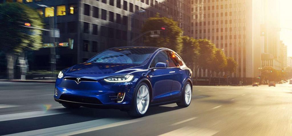 Tesla Chill accelerazione morbida