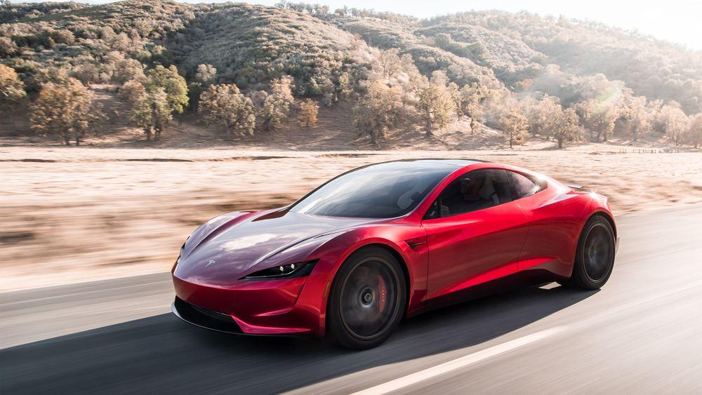 Tesla Roadster - in strada