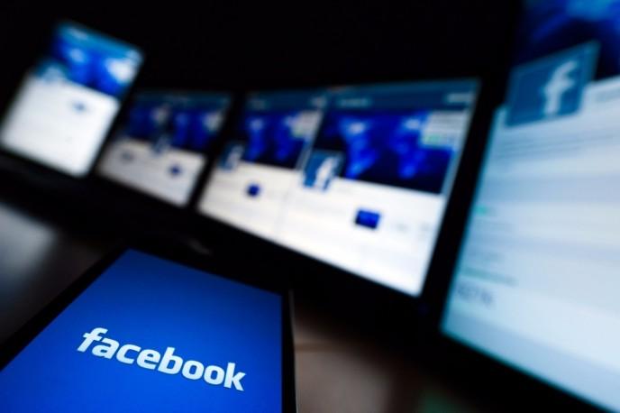 "Facebook testa le "" breaking news "" in ordine cronologico"