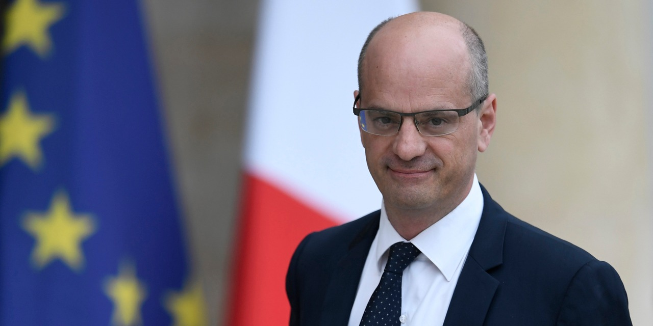 Francia: divieto totale all'uso di cellulari nelle scuole