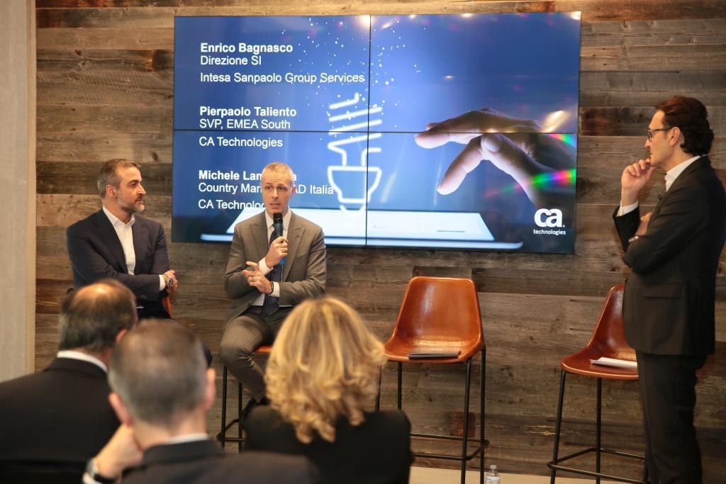 Michele Lamartina, Amministratore Delegato di CA Technologies con Enrico Bagnasco, Chief Information Officer di Intesa Sanpaolo