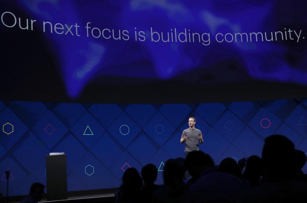 Nuovo News Feed Facebook priorità alle persone