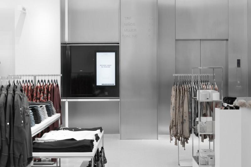 Punto vendita automatizzato robot Zara