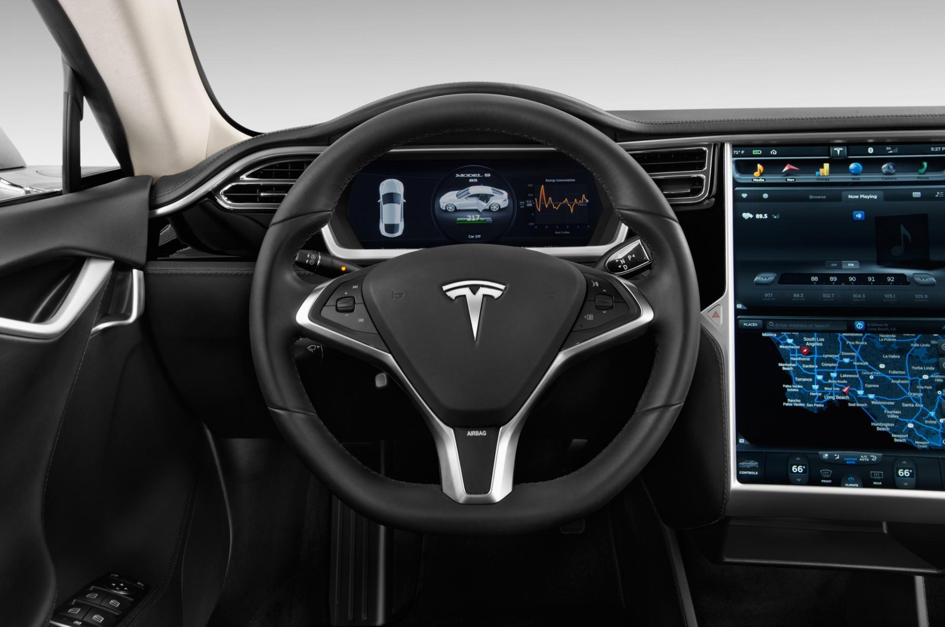 Perché Tesla ha richiamato 123.000 automobili (Model S)