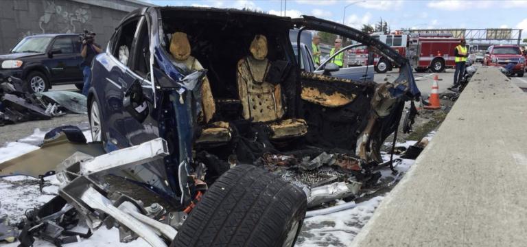 Tesla incidente mortale Model X California