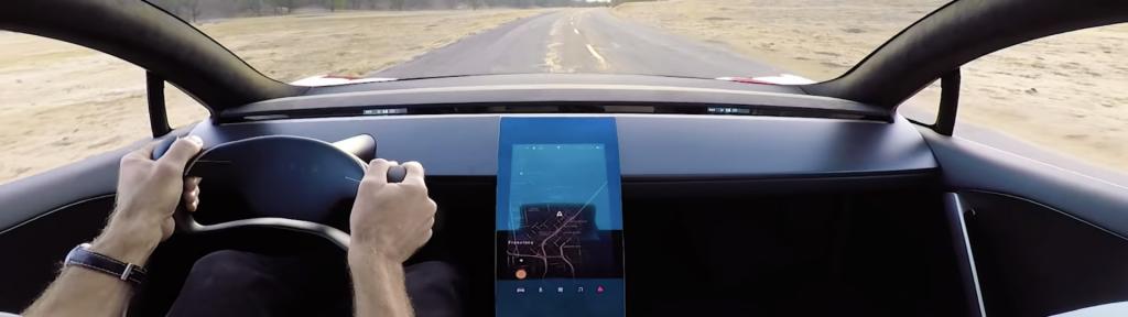La Tesla Roadster e un veicolo misterioso in un nuovo video Tesla