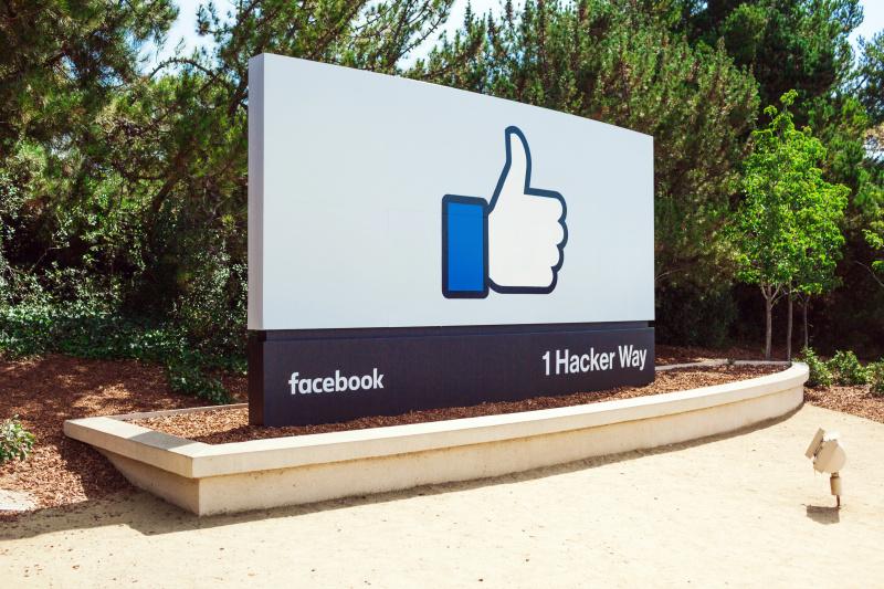 Audit Facebook migliaia di app pericolose bloccate