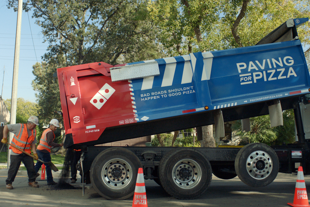 pizza ripara strade domino's