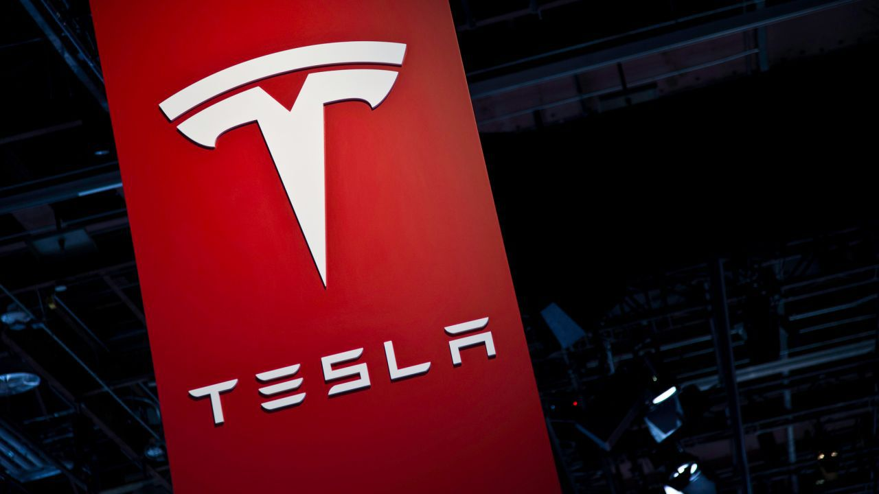 Tesla licenzia il 9% dei suoi dipendenti