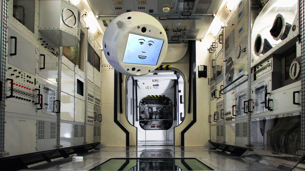 CIMON robot astronauta iss