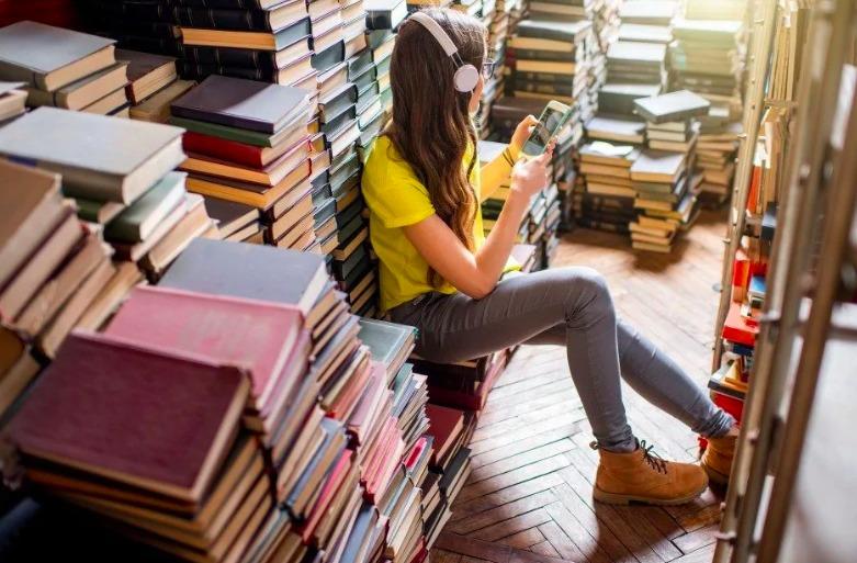 adolescenti libri vs media digitali