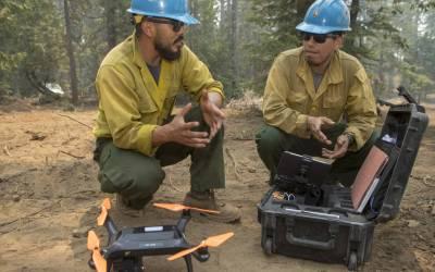 Droni antincendio come funziona la tecnologia che ferma il fuoco