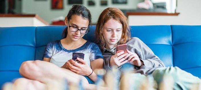 adolescenti e social media pro e contro