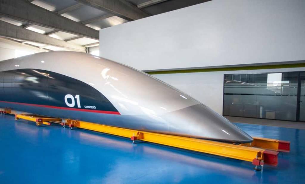 capsula passeggeri hyperloop
