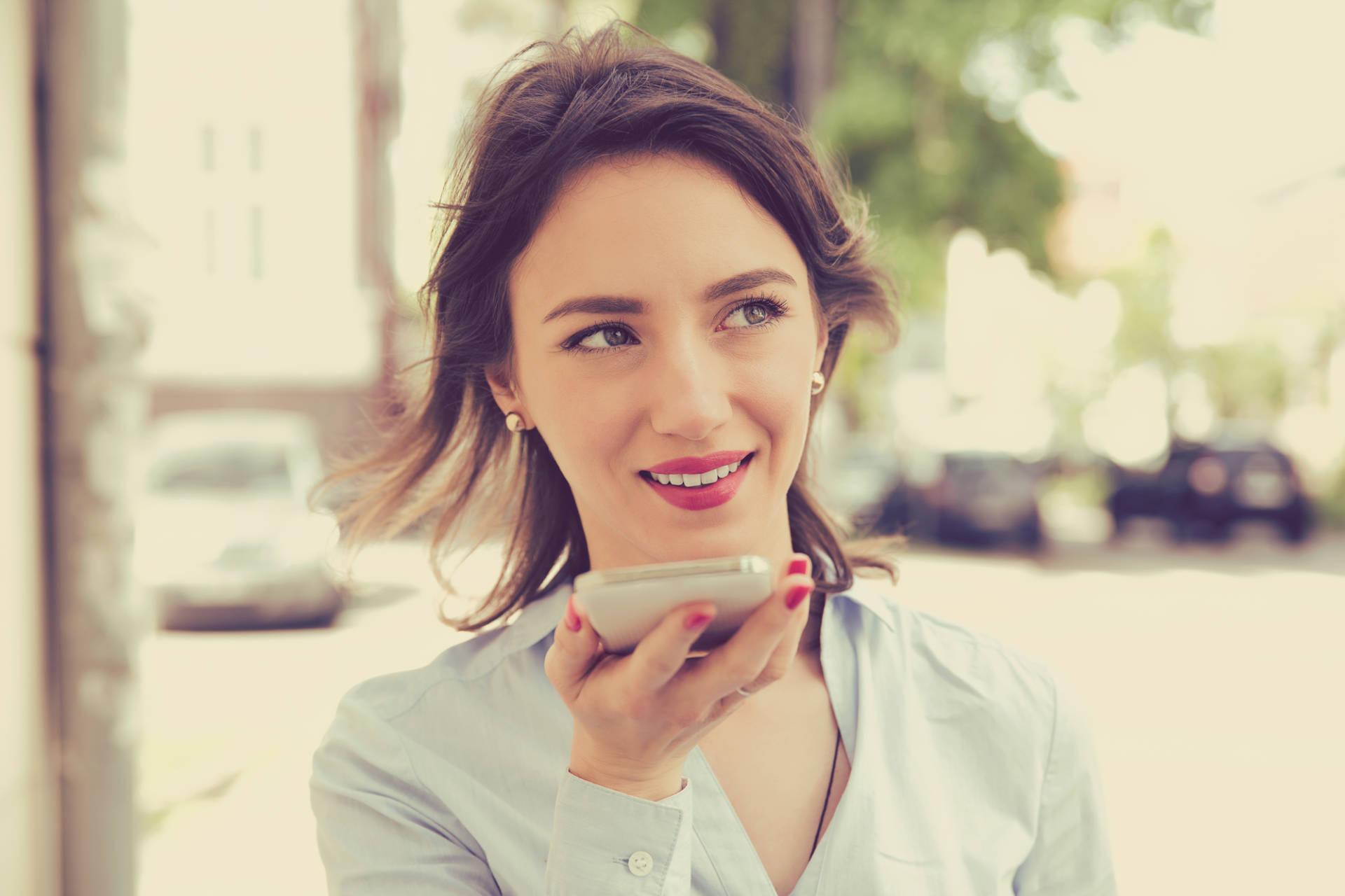 Vocal Search: come funziona e cosa cambia nelle ricerche