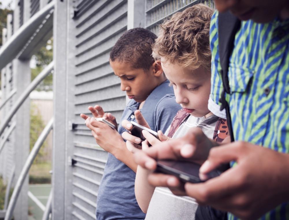 Regole uso cellulare ragazzi