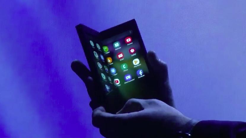 Smartphone pieghevoli: novità 2019