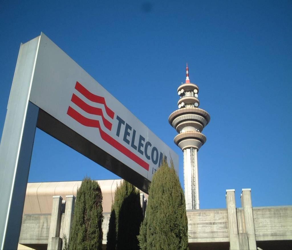 Telecom Italia crollo in borsa TIM