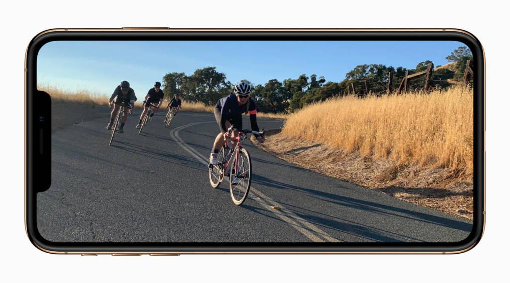 Galaxy S10 VS iPhone XS foto