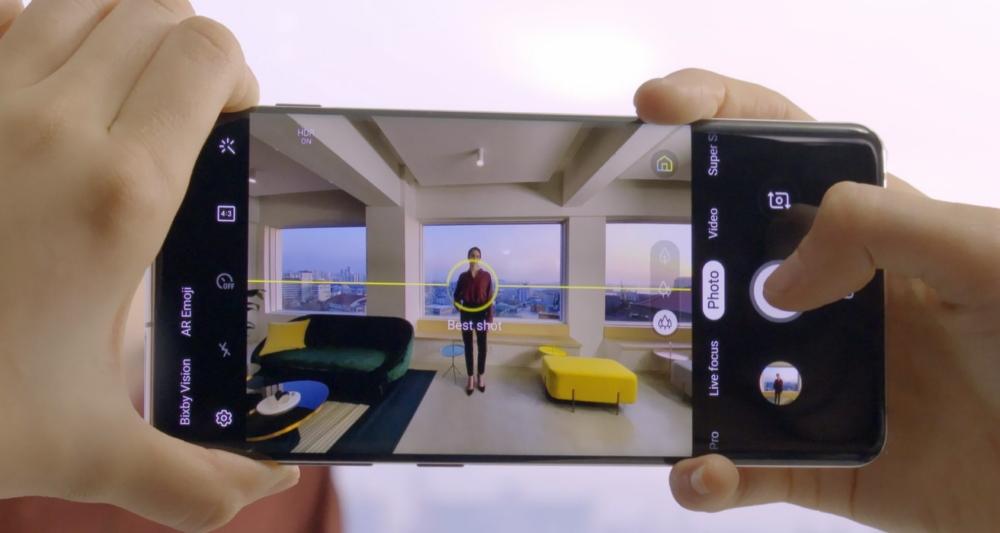Galaxy S10 VS iPhone XS confronto