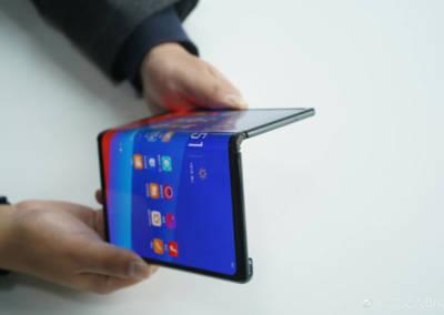 oppo-foldable-phone-prototype