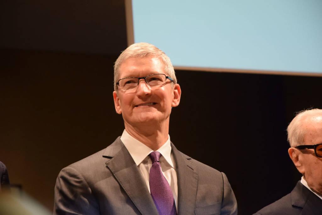 Usate meno l'iPhone Tim Cook
