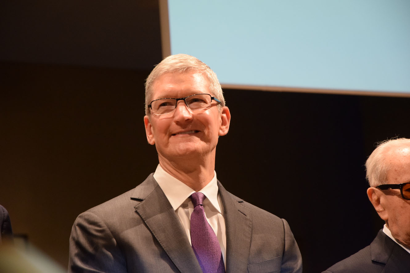 "Tim Cook a sorpresa: ""Usate meno l'iPhone e disabilitate le notifiche"""