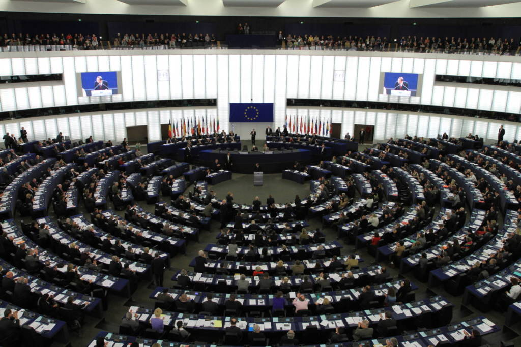 contenuti-estremisti-multe-1-ora-europa