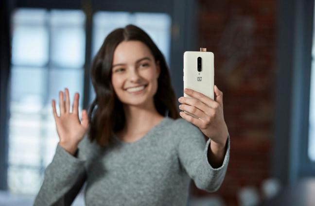 OnePlus 7 Pro fotocamera anteriore
