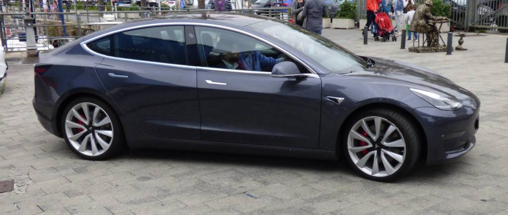 Tesla model 3 test drive in Italia