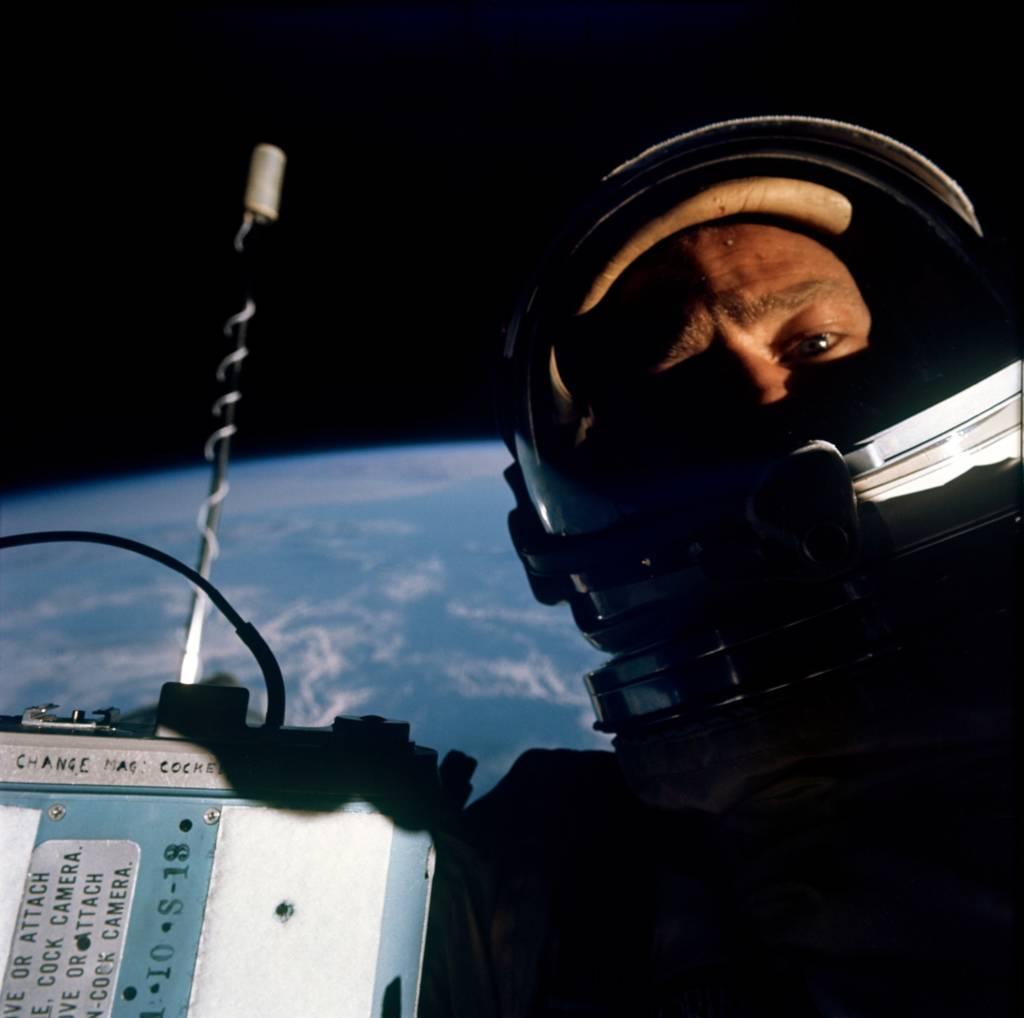 Primo Selfie nello spazio, Buzz Aldrin nel 1966