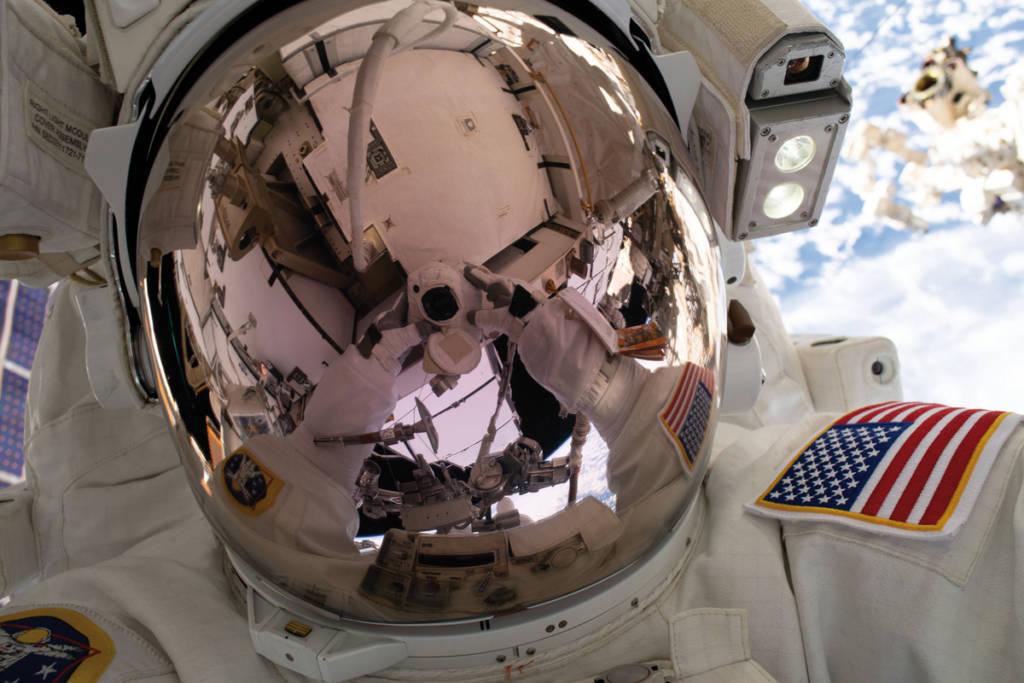 Selfie dallo spazio