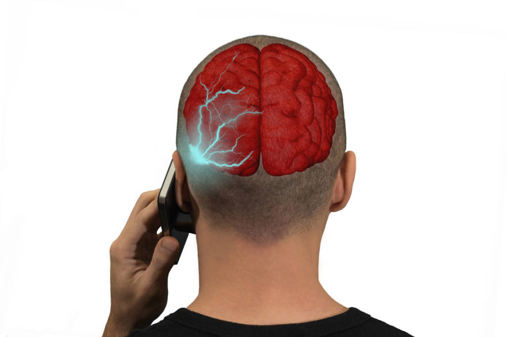 Radiazioni smartphone: iPhone, Samsung e Motorola superano i limiti di legge