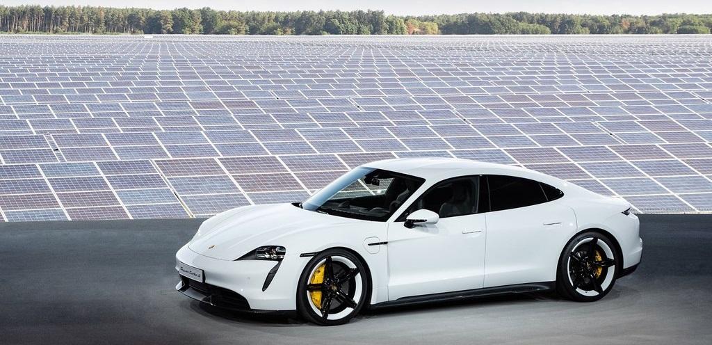 Porsche Taycan, la prima auto elettrica sportiva del marchio