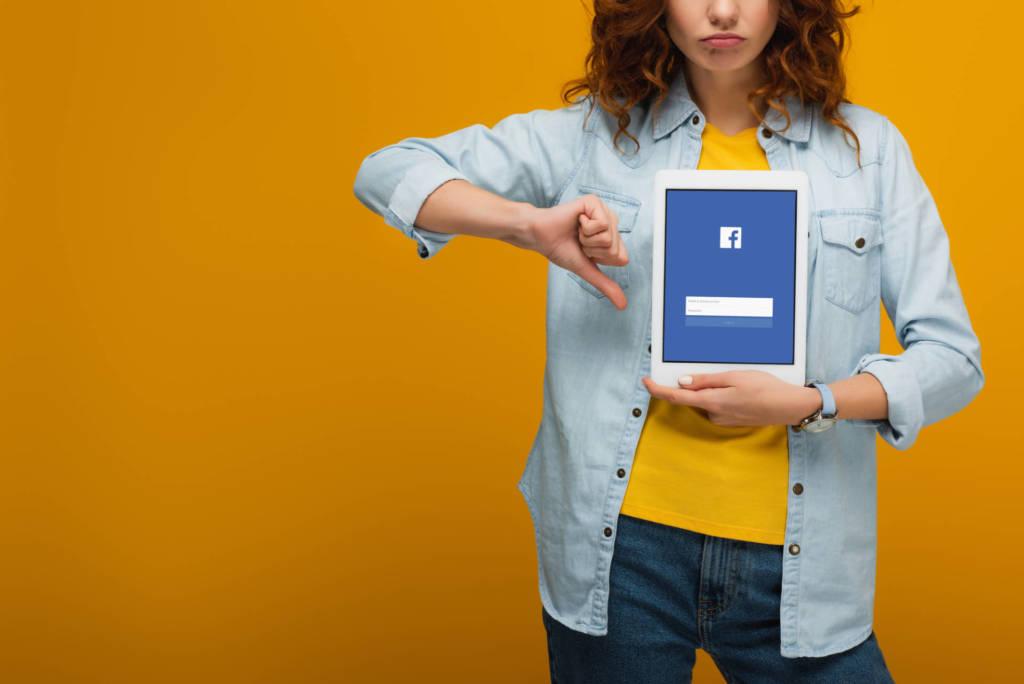 annunci di lavoro su Facebook