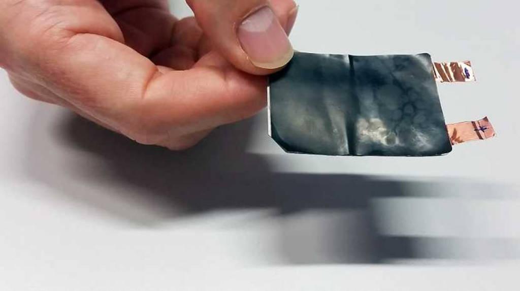 Una batteria pieghevole per il futuro degli smartphone pieghevoli