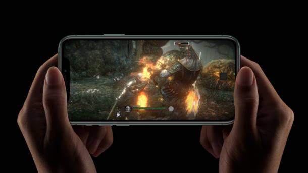 iPhone 11 Pro vs Samsung Galaxy S10
