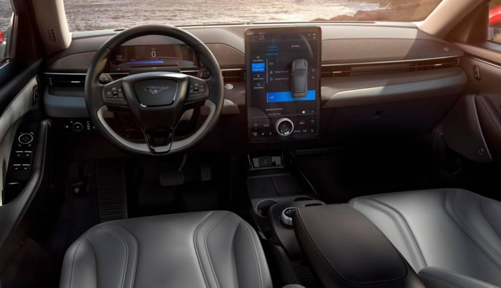 Ford Mustang Mach E interni